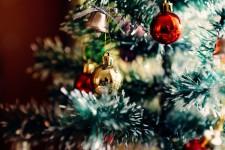 Лучшую дворовую елку в Кировском районе поставила и нарядила УК «Урал-СТ»