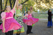 УК «Урал-СТ» провела музыкальный вечер для жителей старшего поколения